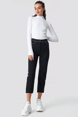 Olsen Astrid X Na Kd Contrast Seam Cropped Pants Black