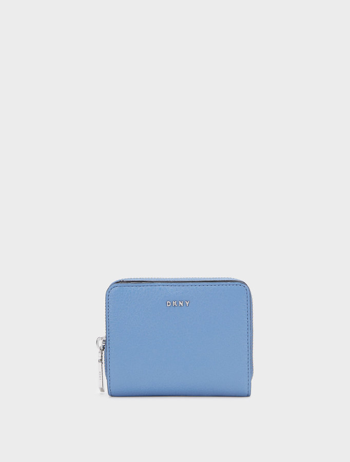 DKNYChelsea Vintage Leather Small Carryall Wallet