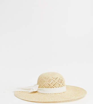 South Beach Exclusive natural straw open weave hat with bow