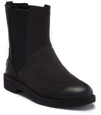 UGG Larra Nubuck UGGpure(TM) Lined Ankle Boot