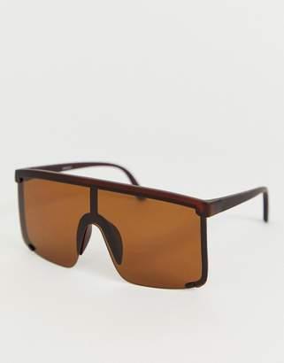 e868bddcd1ca Cat Eye Asos Design ASOS DESIGN oversized visor sunglasses