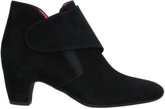 Pas De Rouge Ankle boots
