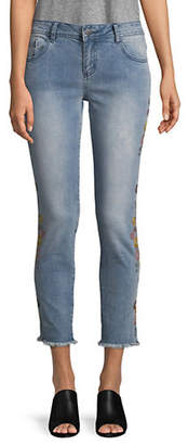 MANGUUN Floral Embroidered Jeans