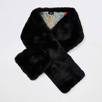 River Island Womens Black faux fur shawl scarf