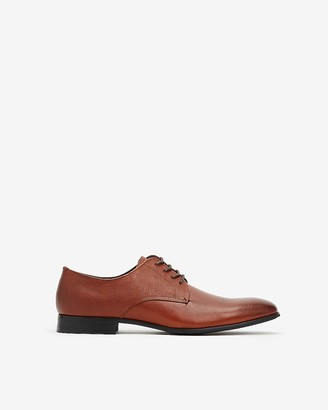 Express Saffiano Leather Oxford Dress Shoe