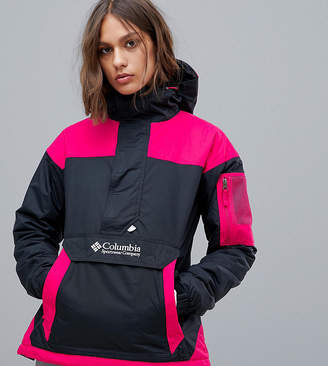 Columbia Challenger Pullover in Black/Pink