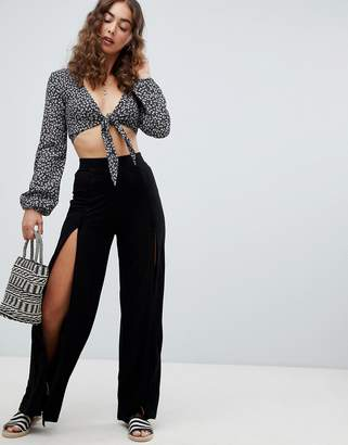 Asos Design DESIGN wide leg trousers with split front