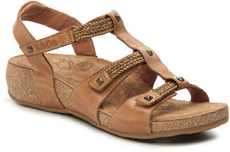 Taos Eleanor Wedge Sandal - Women's