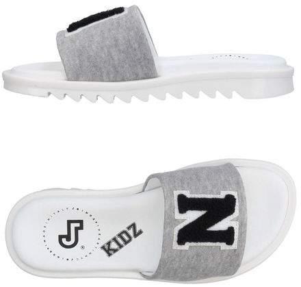 JOSHUA*S Sandals