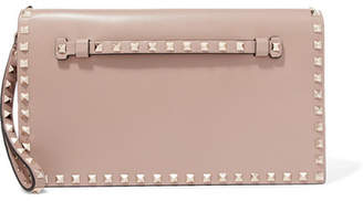 Valentino Garavani The Rockstud Leather Clutch - Pink