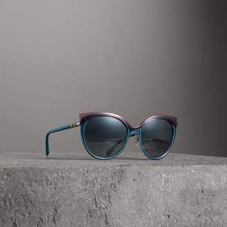 Burberry Two-tone Cat-eye Frame Sunglasses