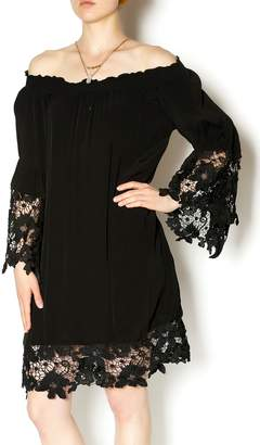 Two Chic Luxe Lace Detailed Dress