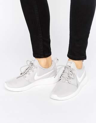 Nike Roshe 2 Trainers In Grey