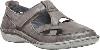 Propet Caylee Womens Slip-On Shoes $79.95 thestylecure.com
