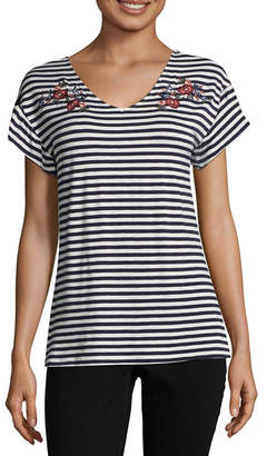 COMO BLU Como Blu Short Sleeve V Neck Jersey Embroidered Blouse