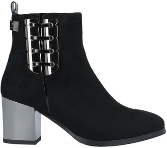 Laura Biagiotti Ankle boots - Item 11708355LN
