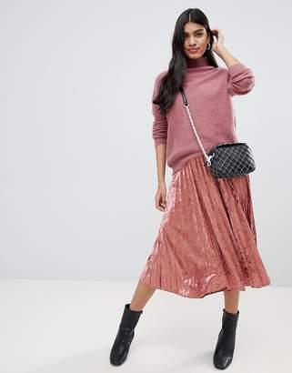 Glamorous pleated velvet midi skirt