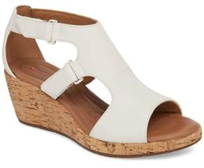 Clarks R) Un Plaza Wedge Sandal