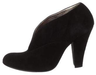 Marc Jacobs V-Cut Ankle Booties Black V-Cut Ankle Booties
