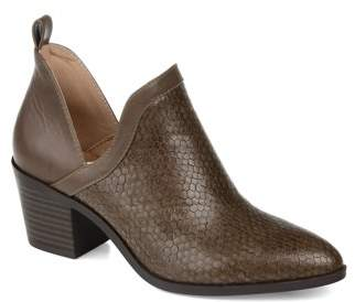 Brinley Co. Womens Textured Ankle Bootie