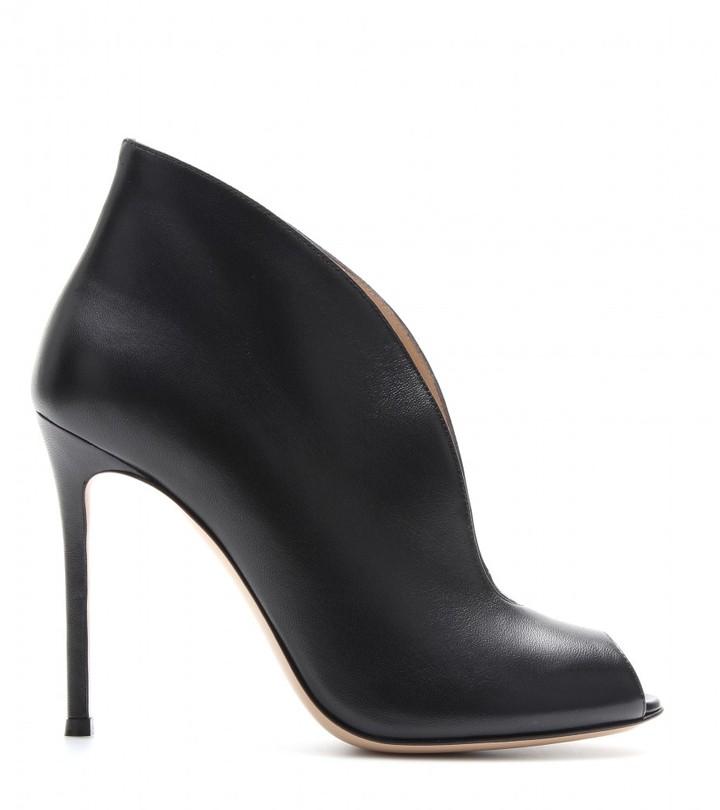 Gianvito Rossi Leather peep-toe pumps