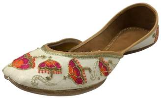 1d10342fb2f4 N. Step Style Bridal Flats Wedding Shoes Indian Designer Shoes Punjabi  Jutti Mojari Juti