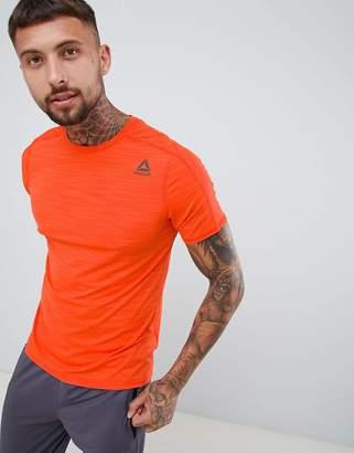 Reebok Training Activchill Move T-Shirt In Orange D93747