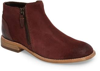 Clarks r) Maypearl Juno Ankle Boot