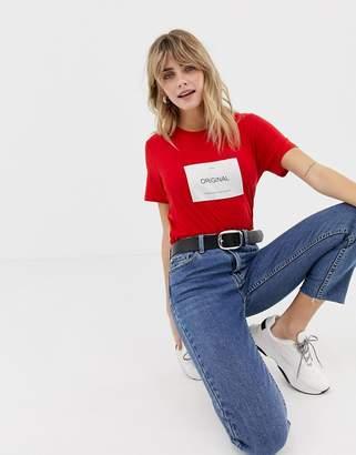 Only box slogan t-shirt