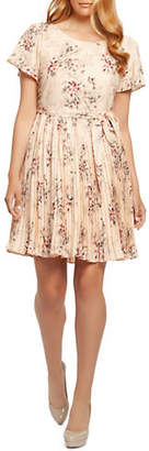 Dex Floral Print Pleated Dress