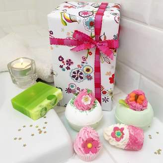 Pink Pineapple Home & Gifts Bath Bombs And Soap Luxury Gift Set