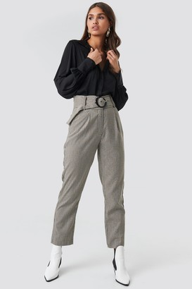 NA-KD Dogtooth Asymmetric Belted Suit Pants Grey