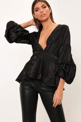 d5db912867866f I SAW IT FIRST Black Ruffle Sleeve Plunge Blouse