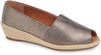Gentle Souls by Kenneth Cole Luca Open Toe Wedge Espadrille