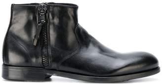 Leqarant zipped Chelsea boots