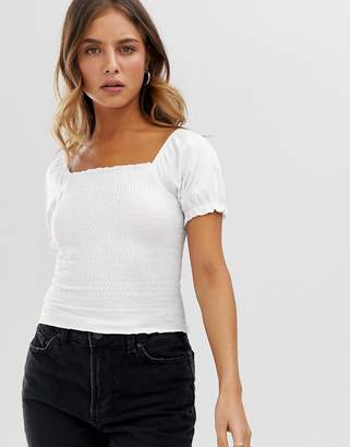 New Look shirred puff sleeve top in white