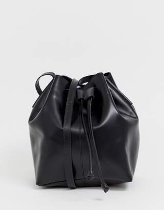 Asos Design DESIGN leather structured bucket bag