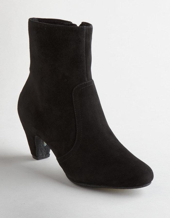 SAM EDELMAN Maddie Suede Ankle Boots