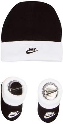 Nike Baby Boy Hat & Booties Set