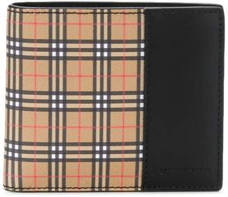 Burberry Scale check wallet