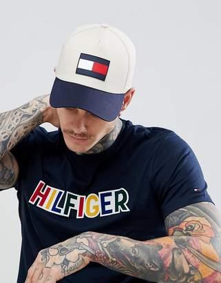 Tommy Hilfiger Contrast Peak Large Flag Baseball Cap in Beige
