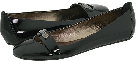 Burberry Patent Ballerinas With Logo Plate
