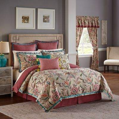 Key of Life Reversible Queen Comforter Set in Red