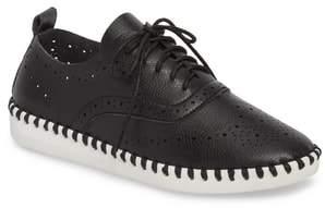 dav Salinas Waterproof Brogue Lace-Up Sneaker