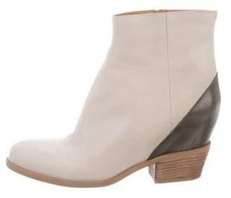 Maison Margiela Leather Round-Toe Ankle Boots Leather Round-Toe Ankle Boots