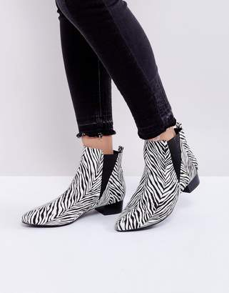 London Rebel Mid Heel Point Boot
