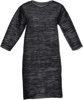 5Preview Short dresses