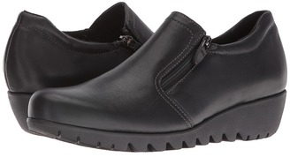 Munro - Napoli Women's Slip on Shoes $210 thestylecure.com