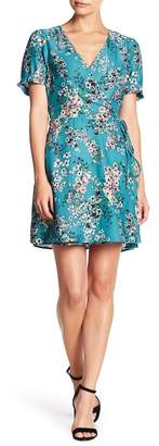 Cupcakes And Cashmere Dezzi Floral Wrap Dress