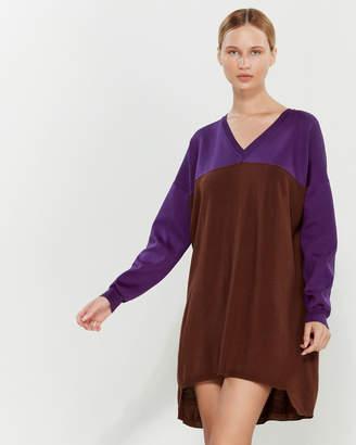 Liviana Conti V-Neck Color Block Shift Dress